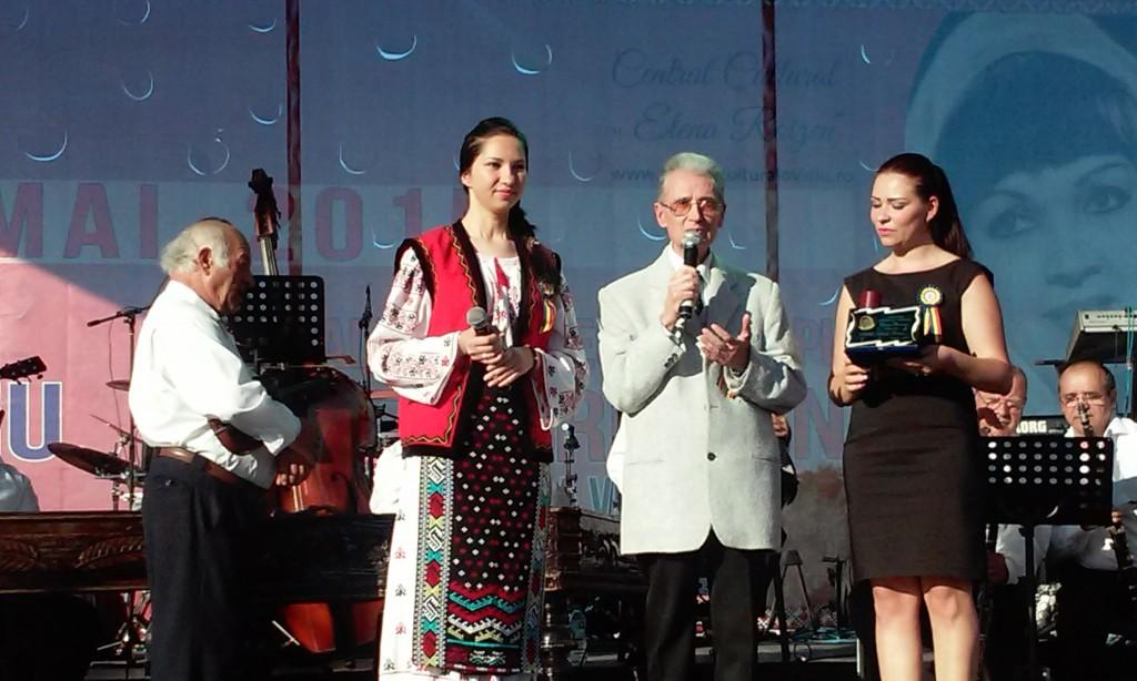 dobrogeanca Feraru Ileana Laura primşte premiul familiei Roizen