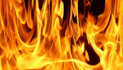 incendiu-la-un-cimitir-de-autoturisme-din-orasul-voluntari