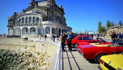 Cazinoul din Constanţa, maşinile de epocă şi iubitorii lor