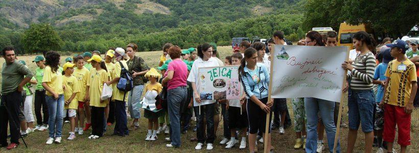 elevi ecologiști participanți la Concursul: Tradiții, oameni, locuri organizat de PNMM